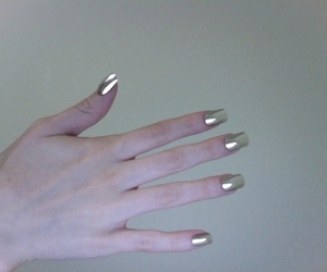 nails, pale, and grunge image