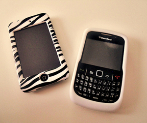 blackberry, iphone, and phone image