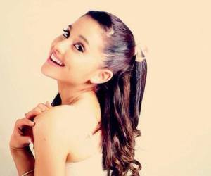 beauty, bow, and ariana grande image