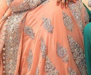 henna, pakistani bride, and pakistani dress image