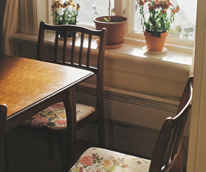 vintage, flowers, and table image