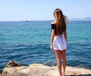 beautiful, hair, and sea image