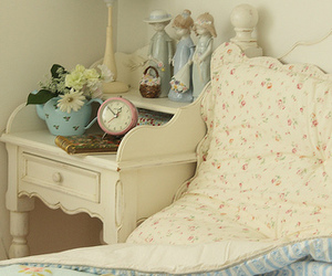 bedroom, bed, and vintage image