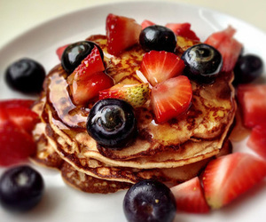 berries, food, and FRUiTS image