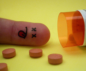 fingers, dead, and pills image