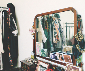 vintage, clothes, and mirror image