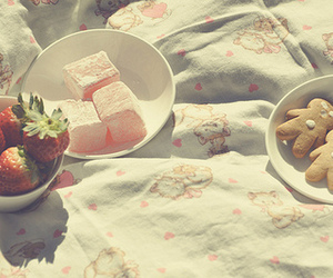 food, strawberry, and turkish delight image