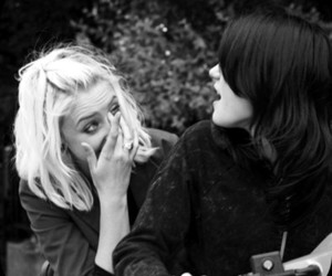 skins, Lily Loveless, and Naomily image