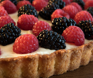 baking, pie, and berries image