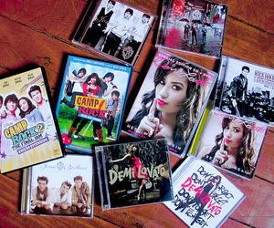 demi lovato, jonas brothers, and don't forget image