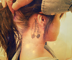 feathers, tattoo, and frases image