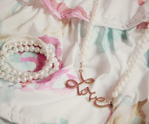 love and pearls image