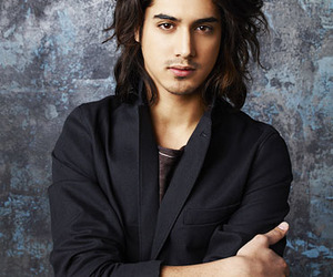 Hot, twisted, and avan jogia image