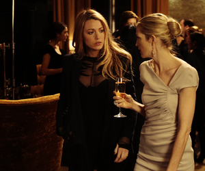 blake lively, kelly rutherford, and gossip girl. gg image