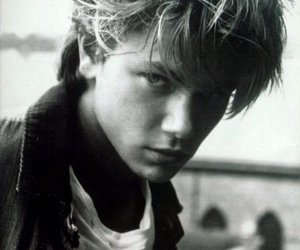 river phoenix, boy, and black and white image