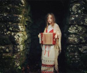 accordion and child image