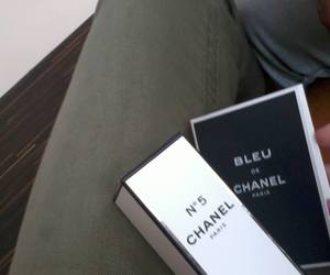 shopping, white, and chanel n°5 image