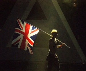 (L), concert, and flag image