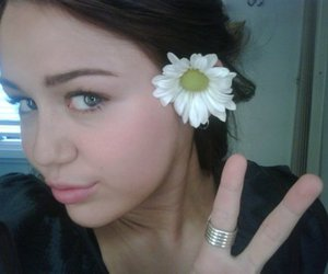 flower, miley cyrus, and girl image