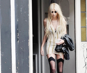 sexy, Taylor Momsen, and the pretty reckless image