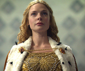 Elizabeth and thw white queen image