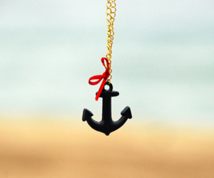 anchor and necklace image