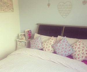 girl, pink, and room image