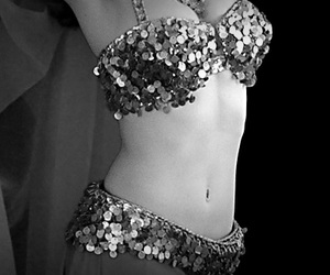 belly dance, belly dancer, and black and white image