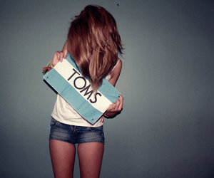toms and girl image