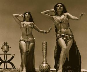 belly dance and girls image