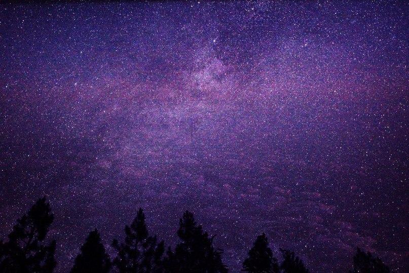 про обои на айфон небо со звездами фиолетовое период позднего средневековья