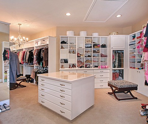 24 images about fancy walk in closets on we heart it see for Fancy walk in closet