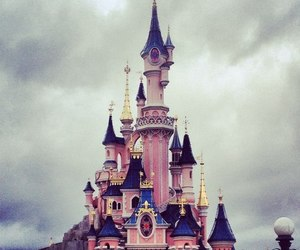 chateau, disney, and princesse image