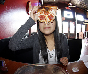 photography, girl, and pizza image