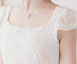fashion, floral, and necklace image