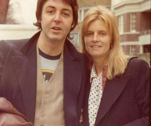 linda mccartney, Paul McCartney, and wings image