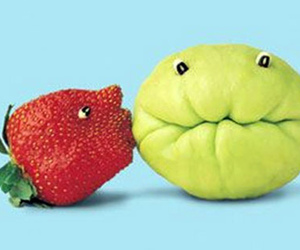 fruit, strawberry, and kiss image
