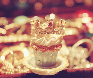 cupcake, crown, and pastel image
