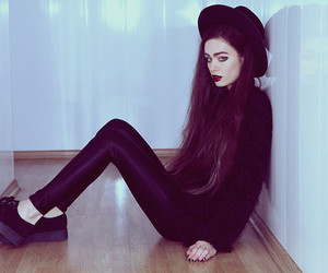 girl, pale, and goth image