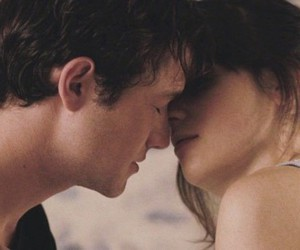 500 Days of Summer, cuddle, and kiss image