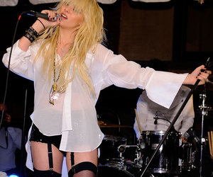 singing, Taylor Momsen, and the pretty reckless image