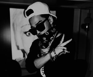 bigbang, black white, and hip hop image