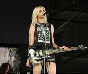 Taylor Momsen, guitar, and rock image