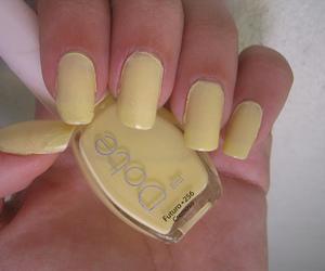 nail, yellow, and dote image