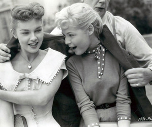 vintage, women, and friends image