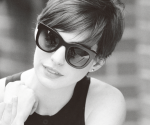 Anne Hathaway, black and white, and actress image