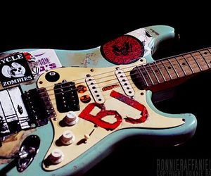 green day and guitar image