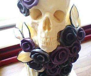 skull and cake image