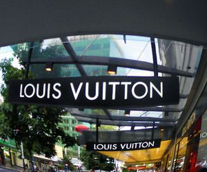 city, photography, and Louis Vuitton image