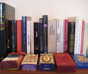 books, bookshelf, and francais image